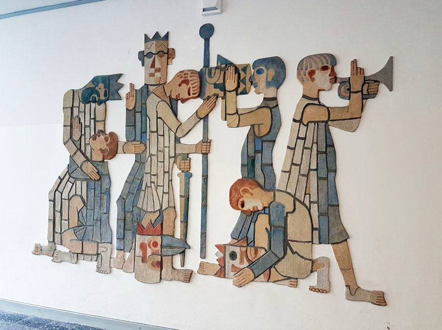 ceramic wall relief kings and musicians